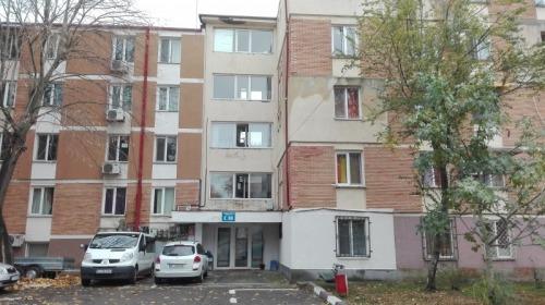 Apartament 3 camere  Aleea Ste
